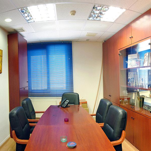 Πωλείται γραφείο 125 τ.μ. στην πλατεία Κλαυθμώνος